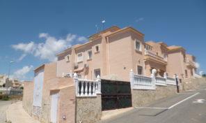 Large Quad near beach and La Zenia Boulevard in Playa Flamenca. Ref:ks1895