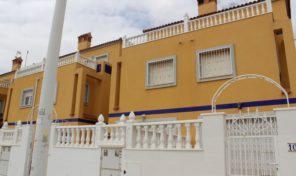 REDUCED! Townhouse near the La Zenia Boulevard.  Ref:ks1883