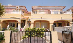 Sold. Great 3 bedrooms Townhouse in Villamartin.  Ref:ks1922