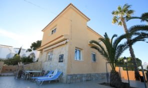 Large Detached Villa with Room for Private Pool in Villamartin.  Ref:ks1913