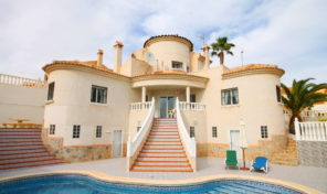 SUPERB LUXURY VILLA with PRIVATE POOL in VILLAMARTIN.  Ref:ks1901