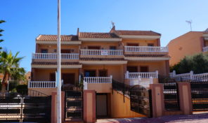Massive Townhouse with Garage in Los Balcones. Ref:mks1912