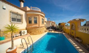 Great 4 bedrooms Villa with Private Pool in San Miguel de Salinas.  Ref:ks1908