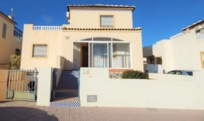 OFFER! GREAT VIEWS! DETACHED VILLA with GARAGE in LOS BALCONES.  Ref:ks1897