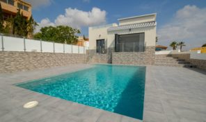 LUXURY MODERN VILLA with MASSIVE PLOT in LOS BALCONES.  Ref:ks1947