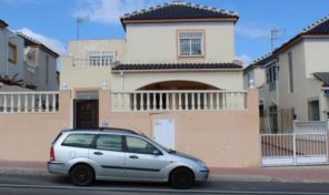 Bargain! 5 Bedrooms Semi-Detached Villa in Los Balcones.  Ref:ks1932