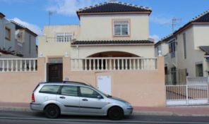 Bargain! 5 Bedrooms Semi-Detached Villa in Los Balcones.  Ref:ks1932
