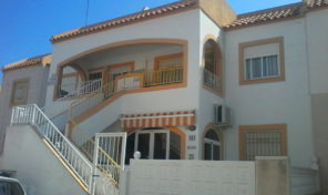 NB!! OFFER!!! Top Floor Bungalow with Solarium in Torrevieja.  Ref:ks1946