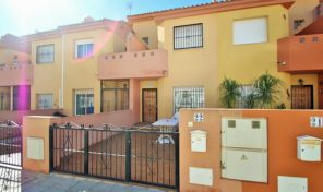 OFFER! Beachside Townhouse in Cabo Roig.  Ref:ks1955