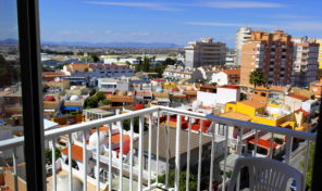 Great Central Apartment with lovely views in Torrevieja.  Ref:R1944