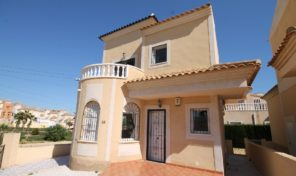 BARGAIN! Detached Villa ONLY 149K in Villamartin.  Ref:ks1961