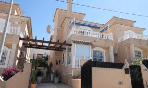OFFER! 4 Bedrooms Detached Villa in Villamartin.  Ref:ks1964