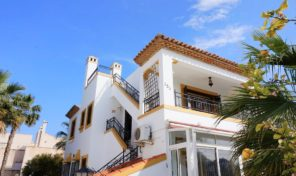 Top Floor Bungalow in Los Valencias, Villamartin. Ref:ks2004