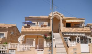 Bargain! Top Floor Bungalow in Villamartin.  Ref:ks2010