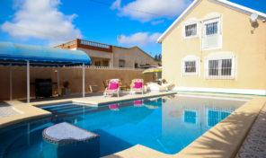Amazing Villa with Private Pool in La Zenia.  Ref:ks1999
