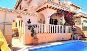 Sold! Great Quad with Private Pool in Cabo Roig.  Ref:ks2001