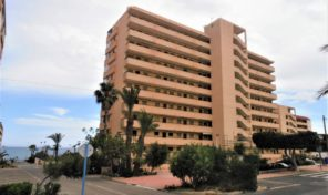BARGAIN! 100m from the Beach! 3 Bed Apartment in Torrevieja. Ref:ks2006