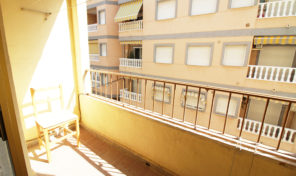 OPPORTUNITY !!!!APARTMENT 200 M TO THE SEA IN TORREVIEJA.  Ref:ks2012