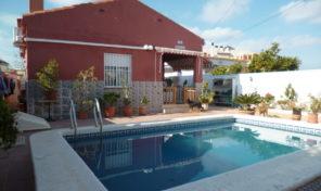 Villa with Private pool and Large Plot in La Zenia.  Ref:ks2028
