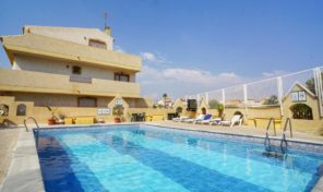 OFFER!!! Townhouse with 3 bed 3 bath in Playa Flamenca.  Ref:ks2020