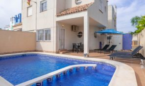 OFFER!!! Renovated Semi-Detached Villa with Private Pool in Torrevieja. Ref:ks2045
