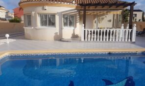 Large Villa with Private Pool in La Zenia.  Ref:mks2054