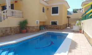 Amazing Large Villa with Garage and Private Pool in Playa Flamenca.  Ref:ks2061