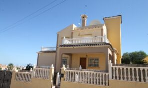 Extra Large Villa with Pool and Garage in Villamartin.  Ref:ks2077