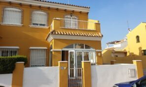 Great Location! Corner Townhouse in La Zenia.  Ref:mks2104