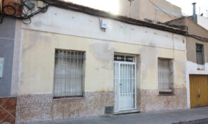 Great Investment Property! House in Center Torrevieja. Ref:ks2110