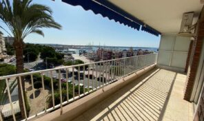 Great First Line Apartment with Large Terrace in Torrevieja. Ref:mks2107