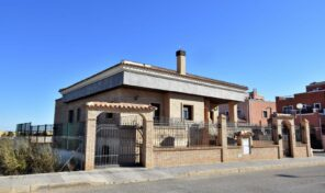 Massive Villa with Garage and Private Pool in Los Montesinos.  Ref:mks2106