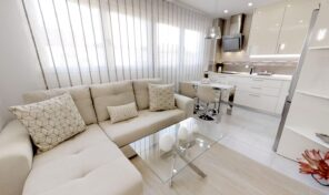Bright Renovated Apartment in Torrevieja Center.  Ref:mks2105
