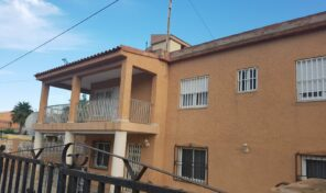Great Investment! 6 Bed. Villa next to Los Locos Beach in Torrevieja.  Ref:mks2108