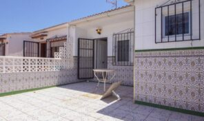 OFFER! 2 bedrooms Townhouse in Torrevieja.  Ref:ks2133