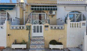 BARGAIN! 2 Bedrooms English Bungalow in Torrevieja.  Ref:ks2138