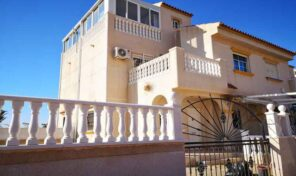 Great Quad Villa with large plot in Torrevieja. Ref:ks2175