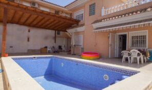 Offer!!! Great Detached Villa with Private Pool in Los Altos.  Ref:ks2135