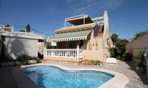 Great Detached Villa with Private Pool in Villamartin.  Ref:ks2132