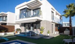 Large Luxury Semi-Detached Villa with Private Pool in Vistabella.  Ref:mks2164