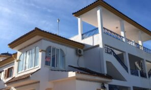 Top Floor Bungalow with large Solarium in Mil Palmeras.  Ref:mks2186