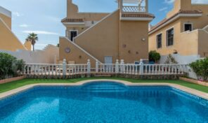 Large Detached Villa with Private Pool in Quesada. Ref:ks2211