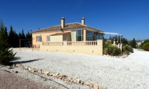 Amazing Country Villa with fabulous views on a 10000m2 plot in Pinoso. Ref:ks2214