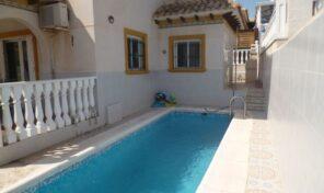 REDUCED! Villa with Private Pool next to La Zenia Boulevard.  Ref:ks2193