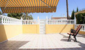 Bargain!!! Very Sunny Townhouse in Torrevieja.  Ref:ks2230