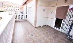 Bargain!!! Apartment with Large Terrace near the Beach in Torrevieja.  Ref:ks2264