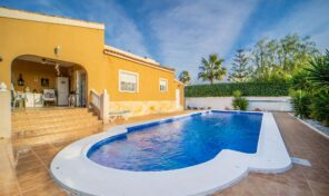 Offer! Great Villa with Large Private Pool and Plot in Valle Del Sol.  Ref:ks2256