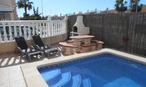 BARGAIN! Detached Villa with Private Pool in Los Altos.  Ref:ks2296