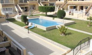 Lovely Top Floor Bungalow in Villamartin.  Ref:ks2385
