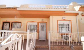OFFER! Great Condition Townhouse in Villamartin.  Ref:ks2376